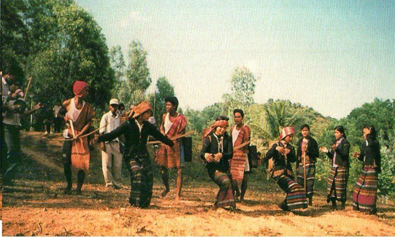 NGƯỜI BRU-VÂN KIỀU trong Cộng đồng 54 Dân tộc anh em ở Việt Nam