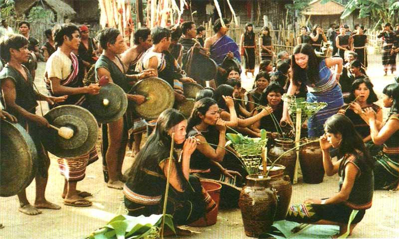 Lễ hội Cồng Chiêng - Ba Na - vietnamhoc.net
