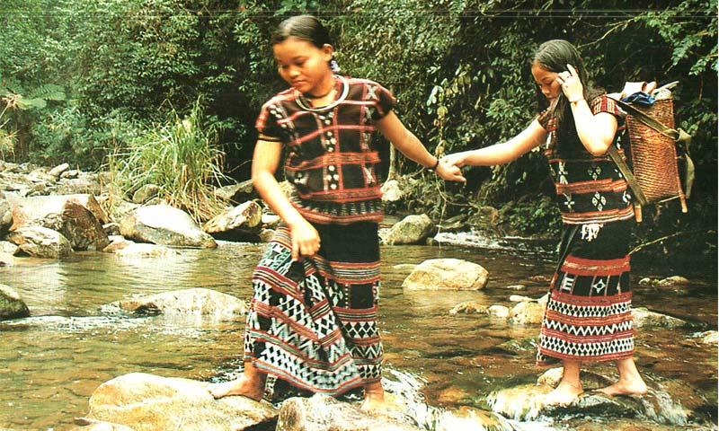 NGƯỜI TÀ ÔI trong Cộng đồng 54 Dân tộc anh em ở Việt Nam
